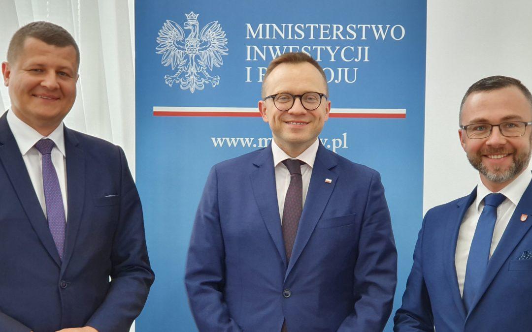 """Dobra wiadomość dla mieszkańców powiatu, prace nad """"Funduszem Autobusowym"""" nabierają tempa !!!"""