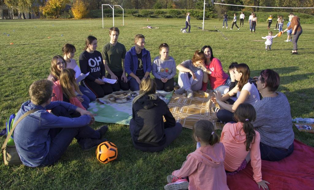Piknik przy MOW w Podgłębokiem
