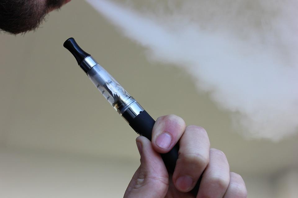 MEN i GIS ostrzegają – wszystkie wyroby tytoniowe i e-papierosy są szkodliwe dla zdrowia